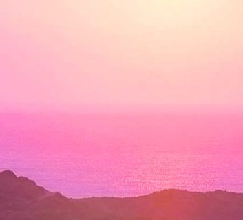 888356376-chia-pink-sunrise-horizon